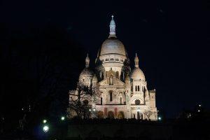 Bút ký mang Ý Tưởng Thánh Đường Tình Yêu Montmartre