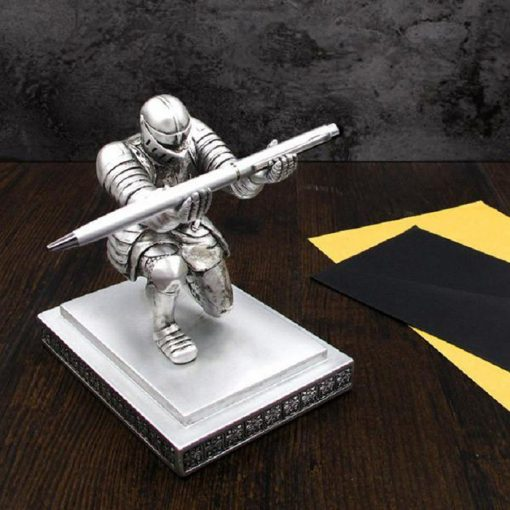 Giá đỡ bút ký kiêm chặn giấy hiệp sĩ Knight bạc